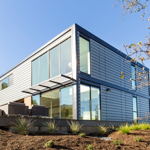 Case Study: An Abundant use of Aluminum Windows in a Pre-Fab Home